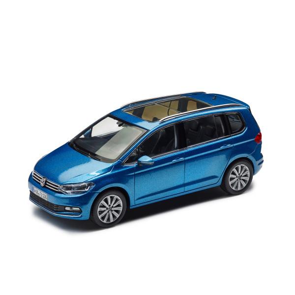 Original VW Modellauto Touran II (5T) 1:43 Caribbean Blue Metallic Miniatur Modell blau