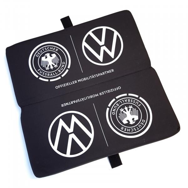 Original VW Sitzkissen faltbar Sitzunterlage Fußball DFB Fanartikel wedrivefootball Accessoires