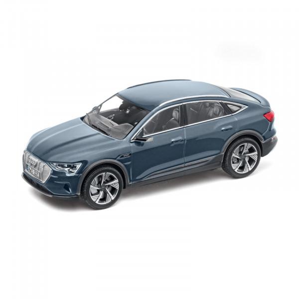 Original Audi Sport Modellauto 1:43 Miniatur e-tron Sportback blau Modell 5012020032